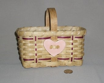 Small, Hand Woven Market Style Basket with Pink Ceramic Heart Tie-on
