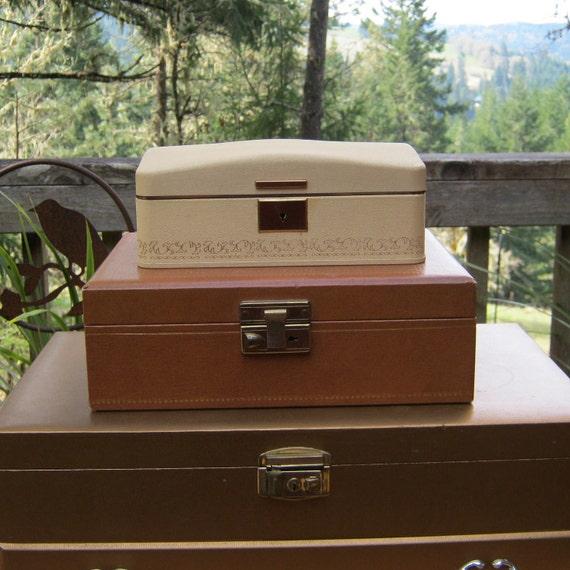 Vintage Farrington Jewelry Box With Key