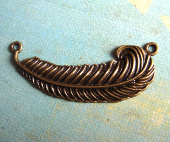 1pc -  Antiqued Brass Large Feather Connector Charm Pendant Drop