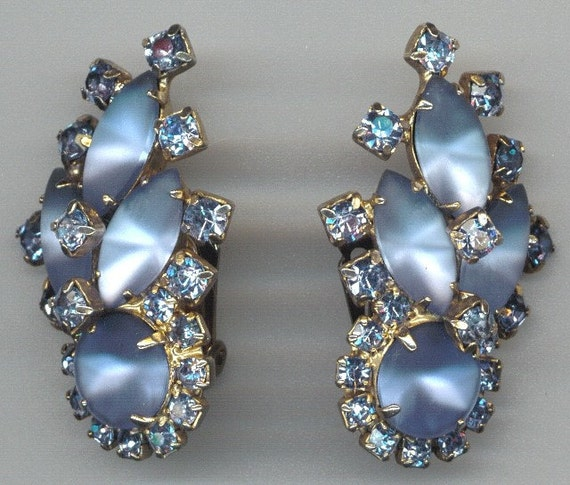 1950s Blue Rhinestone and Frost Glass Earrings
