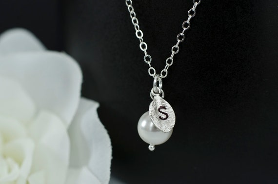 Initial Necklace Swarovski Pearl and Leaf Charm, Bridal Jewelry, Bridesmaids Gifts, Party Favor