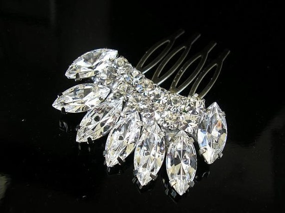 BRIDAL hair comb ,vintage style ,wedding hair  ACCESSORIES ,head piece Swarovski  Crystal  Glamour sparkle Rhinestones ,