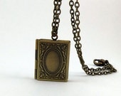 Spellbook Locket Necklace - Harry Potter