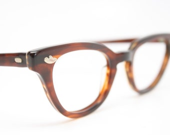 Tortoise cat eye glasses retro vintage