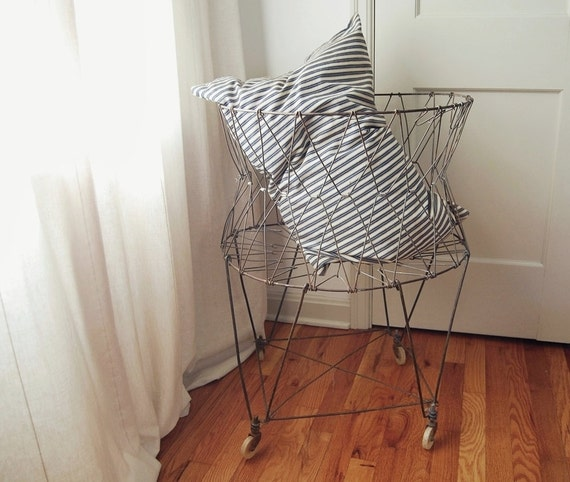 Vintage Collapsible Wire Laundry Basket On Wheels