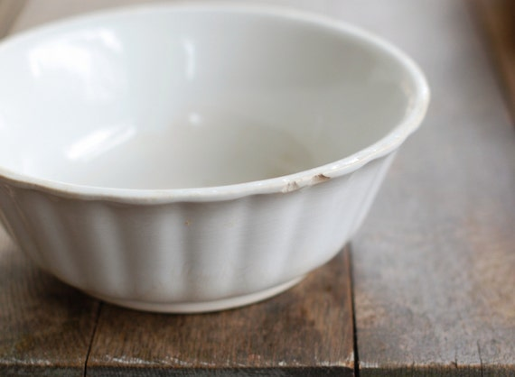 Antique White Ironstone Basin Bowl with Fluted Shape - Dresden White Granite