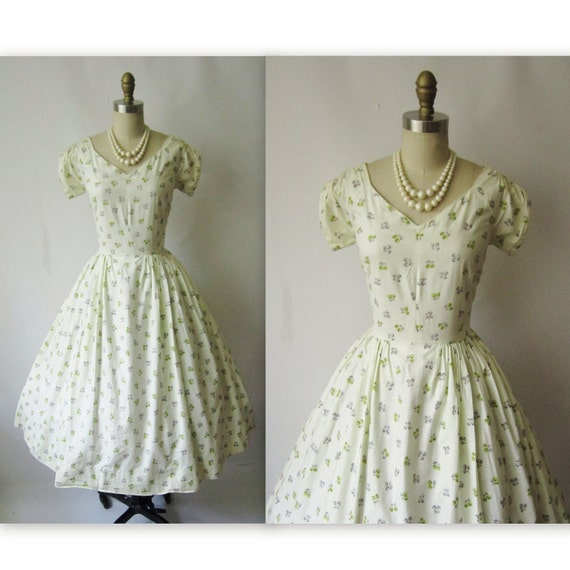 50's Floral Dress //  Vintage 1950's Floral Print Cotton Garden Party Dress S