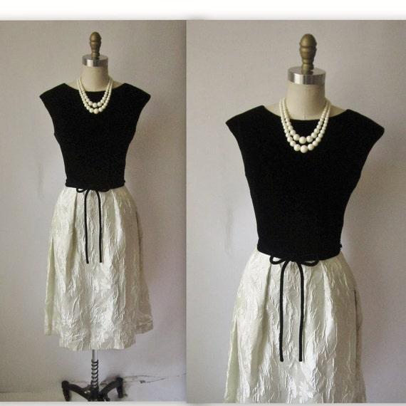 60's Cocktail Dress // Vintage 1960's Black & Ivory Velvet Brocade Full Cocktail Party Dress XS S