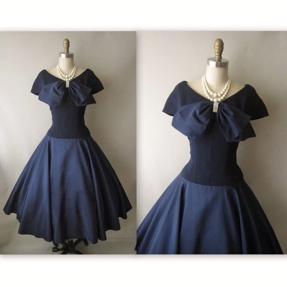 50's Cocktail Dress // Vintage 1950's Navy Taffeta New Look Full Cocktail Party Dress M