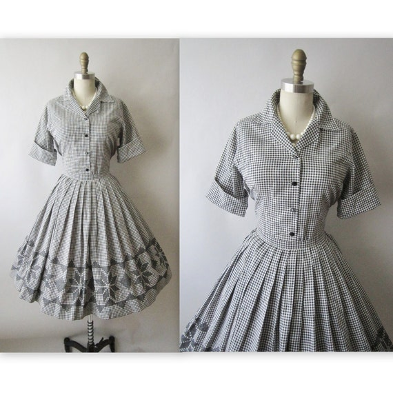 50's Embroidered Gingham Dress Set // Vintage 1950's Cross Stitch Gingham Cotton Shirtwaist Mad Men Ensemble XS S