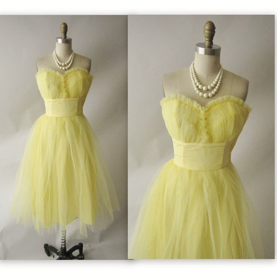 50's Tulle Prom Dress // Vintage 1950's Strapless Tulle Shelf Bust Wedding Party Prom Dress XS S