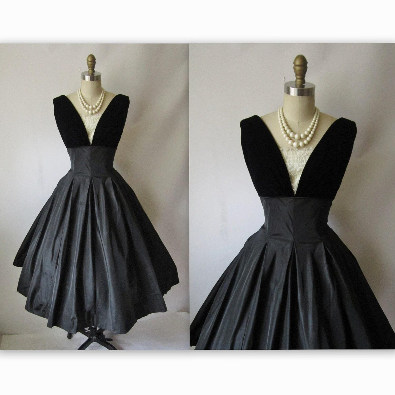 50's Cocktail Dress // Vintage 1950's Black Taffeta