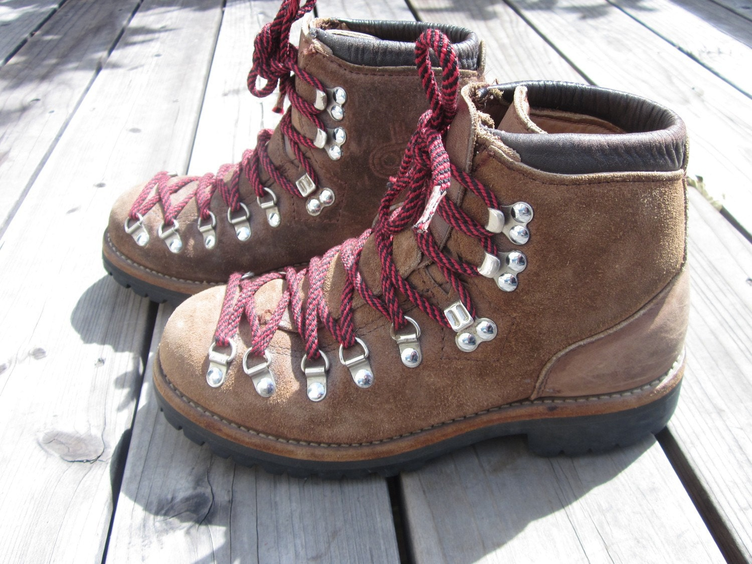 Brilliant Danner  Women39s Mountain Light Cascade