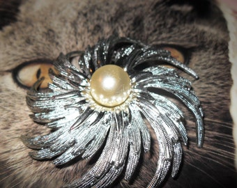 Holiday Sale  Large Stunning Blooming Pearl Brooch/Sara Coventry Jewelry, Silver and Pearl Flower