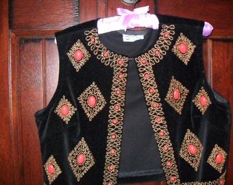 Vintage Black Velvet Beaded Vest/Beautiful Embellished Velvet Vest