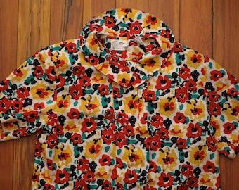women's vintage floral blouse.