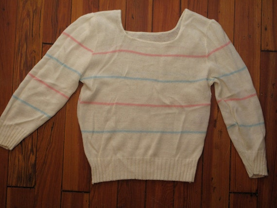women's vintage striped sweater.