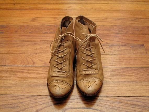 women's vintage lace up ankle boots.