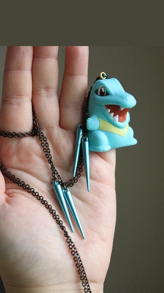 Pokémon - TOTODILE Toy Necklace - Nintendo Nostalgia Necklace