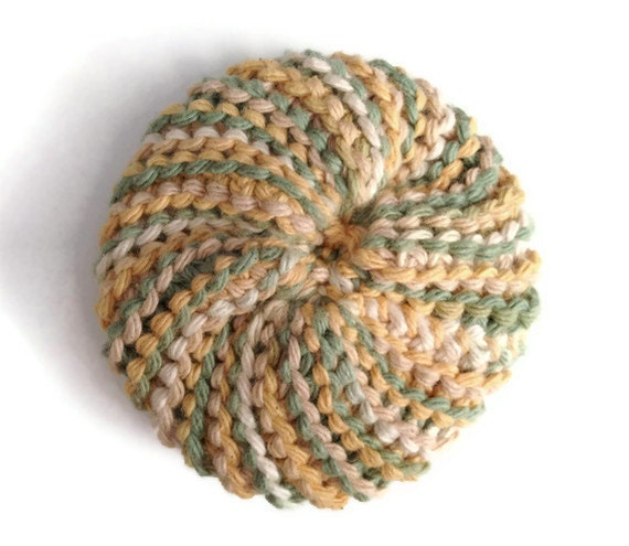 Dish Scrubbie Vegan Spiral in Beige and Green Tribble Tawashi