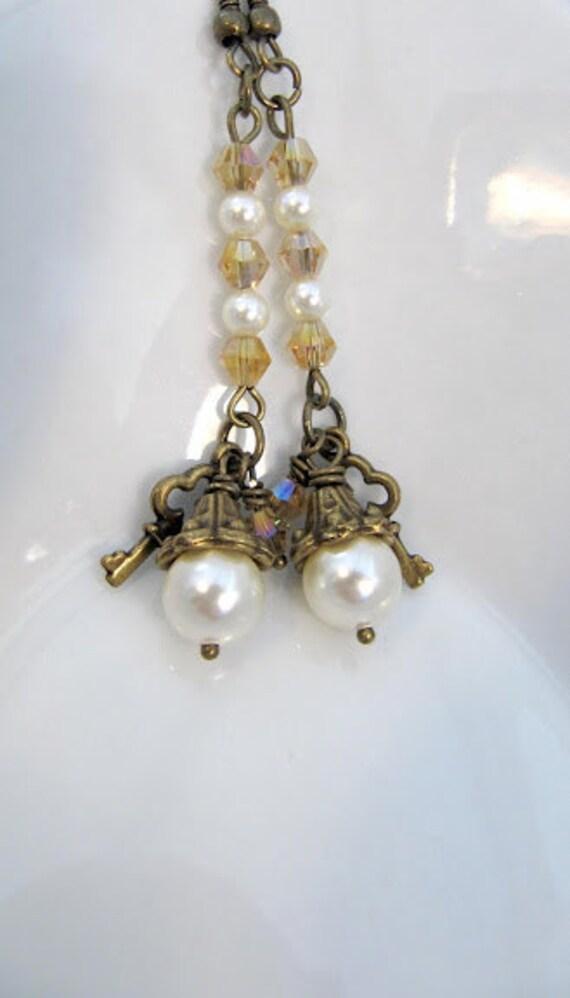 Long earrings with Swarovski pearls, dangle, crystals, cream, key, romantic jewelry