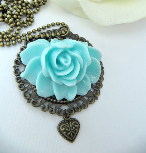 Blue necklace, jewelry, pendant, gift for her, flower necklace, gift for her, vintage style, romantic jewelry