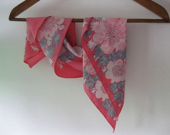 Pink and Grey Bouquet Vera Oblong Scarf