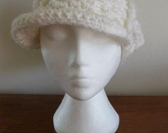 40%  Off SALE - White Brimmed Knit Beret by Fertsen - was 15/now 9