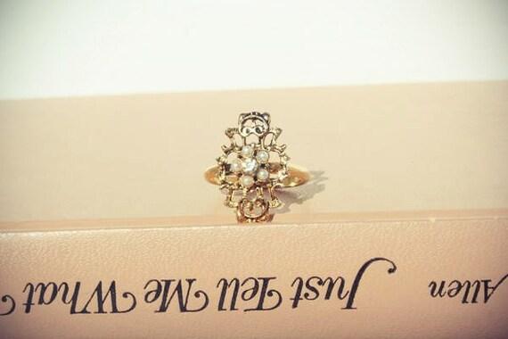 Gold Filigree Pearl Ring