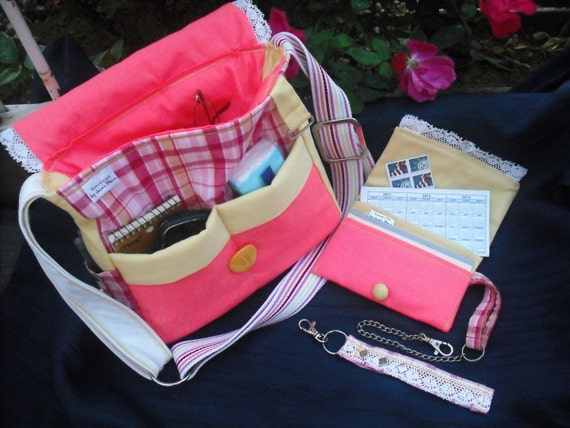 SALE- -Josie's -Plaid Quilted/ 3pc Gift Set- Cross Body Messenger/Sling/ Shoulder Handbag/ Wallet-Checkbook Holder/ Key Chain with Chain