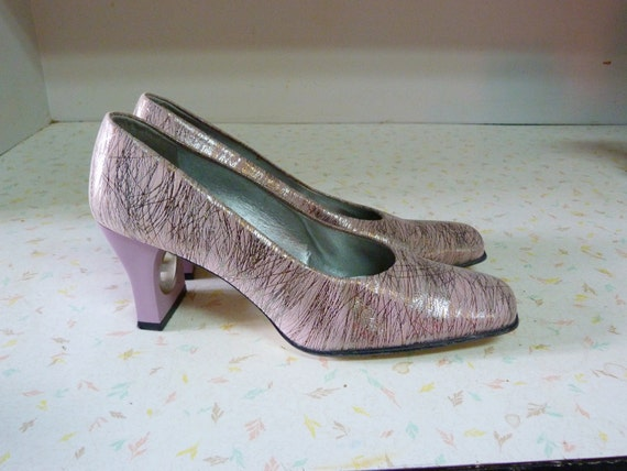 Amazing 1960's Mod Metallic Lavender Shoes Cut Out Heels Pastel Mad Men 8