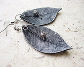 FREE WORLDWIDE SHIPPING - Ancient Leaves Clay Earrings