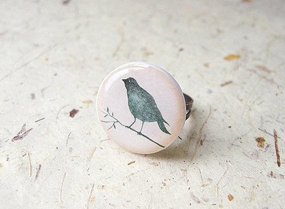 FREE WORLDWIDE SHIPPING - Green Bird Clay Ring