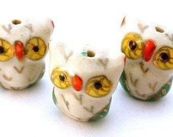 3 owl beads, porcelain, very cute - Hoo are you