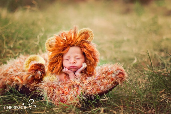 Newborn Baby's First Lion Photo Props Photography BLANKET - Infant Size Hand Knit