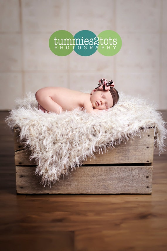 Baby Photo Prop Blanket. 2ftx2ft Knit, Furry Cream Shaggy Texture 'Wholesome' PuffPelt Rug Children
