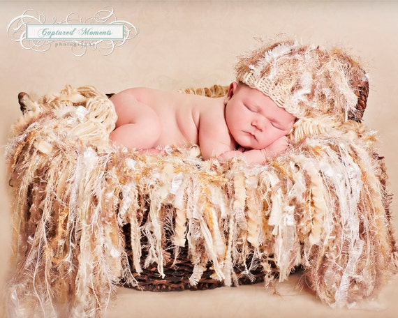 Photo Props Newborn SET. Neutral Hat AND Fringe Baby Blanket / Hammock. 'Granola' Infant Photography Props