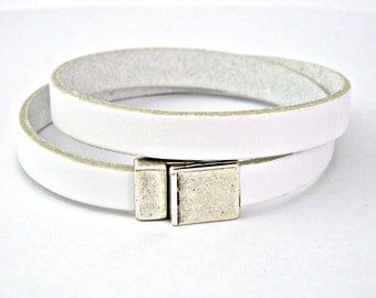 White leather bracelet double wrapped with magnetic clasp