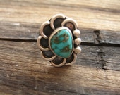 vintage turquoise and silver ring / 1970s /  RENDEZVOUS