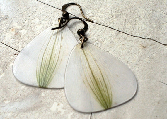 White Earrings Lily - antiqued brass - real flower petals - green and white - botanical earrings