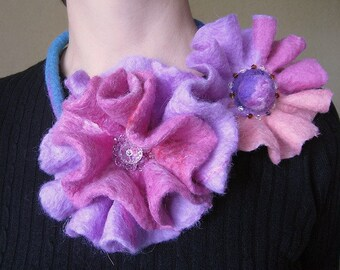 Felt necklace Tenderness
