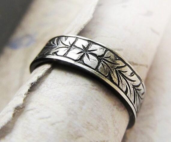 Engraved Wedding Band, Silver Ring...Men's or Women's Band, Flower and Leaf Floral Design, Unisex...Renaissance, Medieval