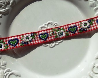 3 Yards - Lovely Gingham Edelweiss and Heart Trim