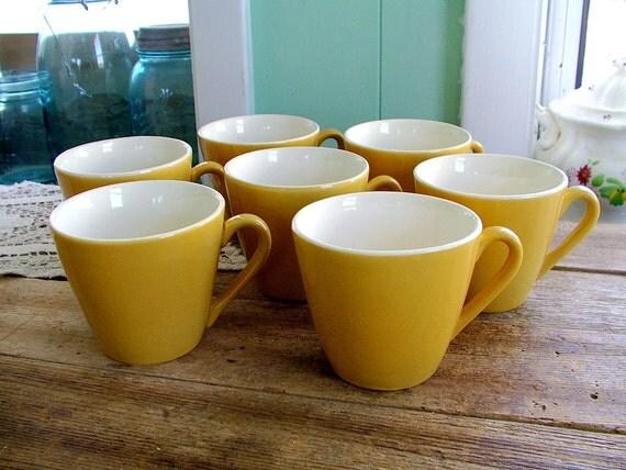 set of 7 mod atomic gold Starglow coffee mugs by Royal China