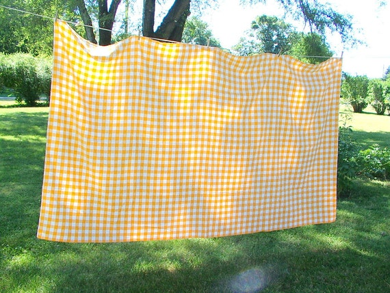 """large vintage 1970s woven checked picnic TABLECLOTH light orange and white 102"""" x 58"""""""