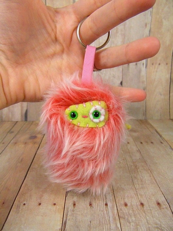 Bloom the plush monster miniature pink white and green Ugglette keychain