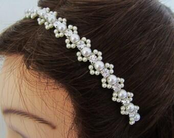 Pearl Headband. Bridal Headband. Pearl Hairpiece.  Pippa