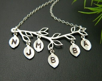 Six Initial Necklace, Personalized Grandmother Necklace, Family Tree Jewelry, Mother Day Necklace, Sister Necklace, Mom Jewelry, Kid Name