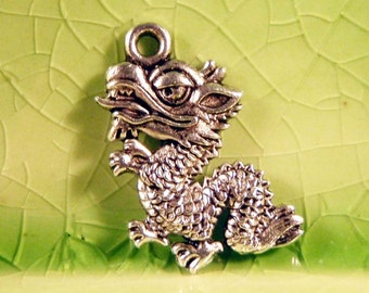 20 silver dragon charms pendants komodo lizard fire breather scales fantasy storybook fairytale 19mm x 16mm - C0372-20