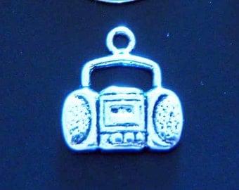 20 silver boom box charms pendants radio stereo retro 80s ipod music tape cassette player 15mm x 15mm - C0162-20